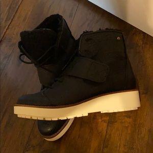 Simply Vera Wang high top boots